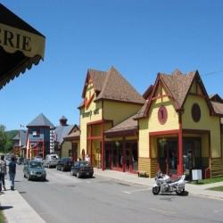 Tanger Outlets Saint-Sauveur image #1